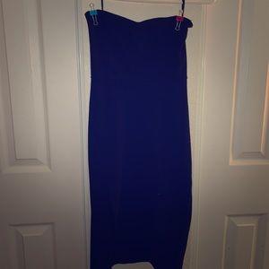 black strapless pencil dress w/ slit on right side
